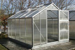 Traditionellt växthus Här modell Sofiero från glashusen.se